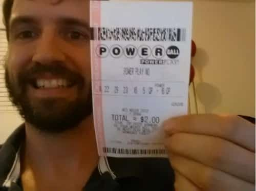 Featured image for 'Powerball Winner' Scams Facebook Users Into Sharing Photo For $1M