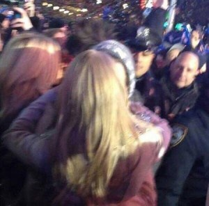 Taylor Swift Kisses Harry Style