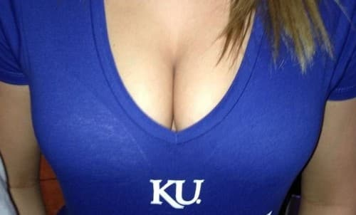 Featured image for #Boobment: College Girls Show Of Cleavage, Team Spirit On Twitter