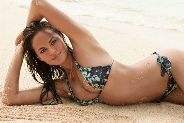Featured image for Chrissy Teigen Posts Naked Instagram Photo Because … Well, Just Because [NSFW]