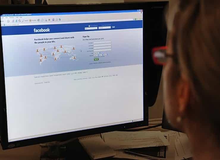 Facebook Social Lives