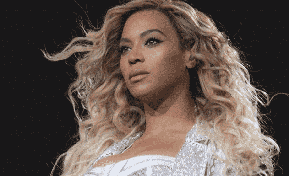 Does Beyoncé Photoshop Her Pictures? Singer Accused Of ...