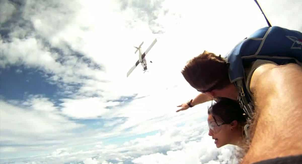 Video of Skydivers