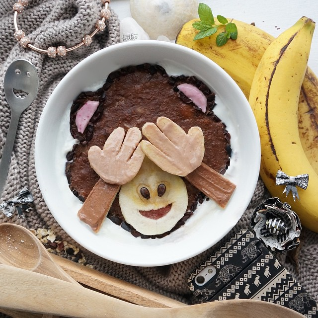 Featured image for Artists Recreates Emojis With Yummy Food