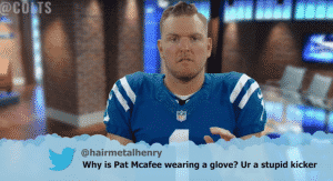 football teams reading mean tweets