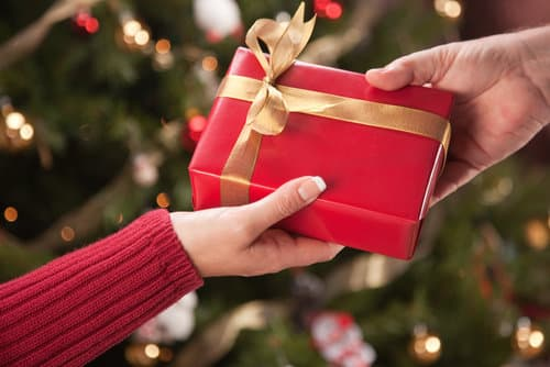 Shake up that boring christmas gift swap with these great Good gifts for gift exchange