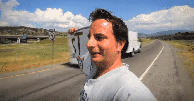 Featured image for Man Decides To Hitchhike From Seattle to NYC and Lives To Tell About It