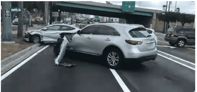 Featured image for SUV Attempts Hit and Run in Public and is Then Attacked By Man With Hammer (of JUSTICE)