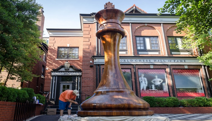 World's Biggest Chess Piece Constructed In St. Louis [Video]