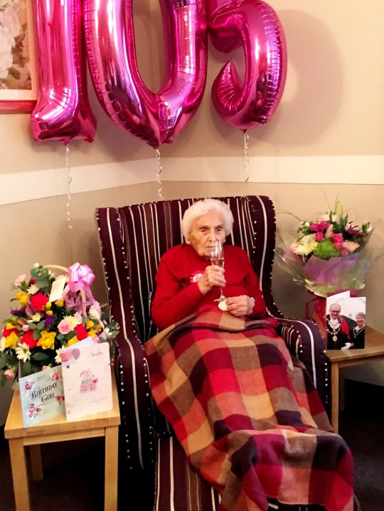How to Ensure a Long Life? Centenarian Man and Woman Have Very Different Ideas