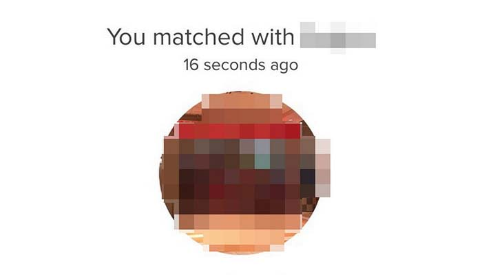 Guy Matches with Sister on Tinder and it's Awkward