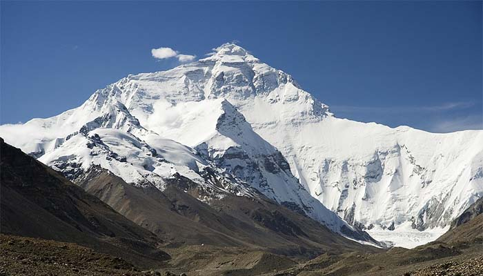 Dead Bodies Are Defrosting on Mount Everest Thanks to Climate Change