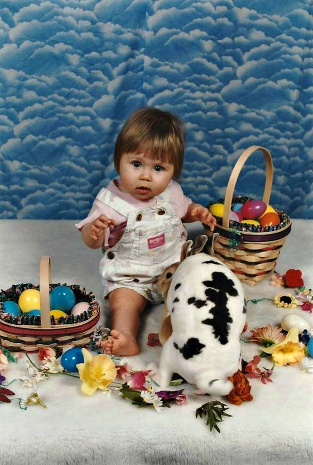 Can You Spot the Dirty Detail in This Woman's Childhood Easter Photo?