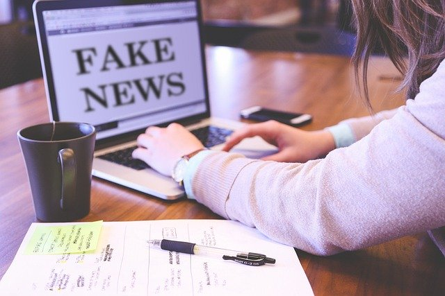 https://pixabay.com/photos/fake-news-hoax-press-computer-4881488/
