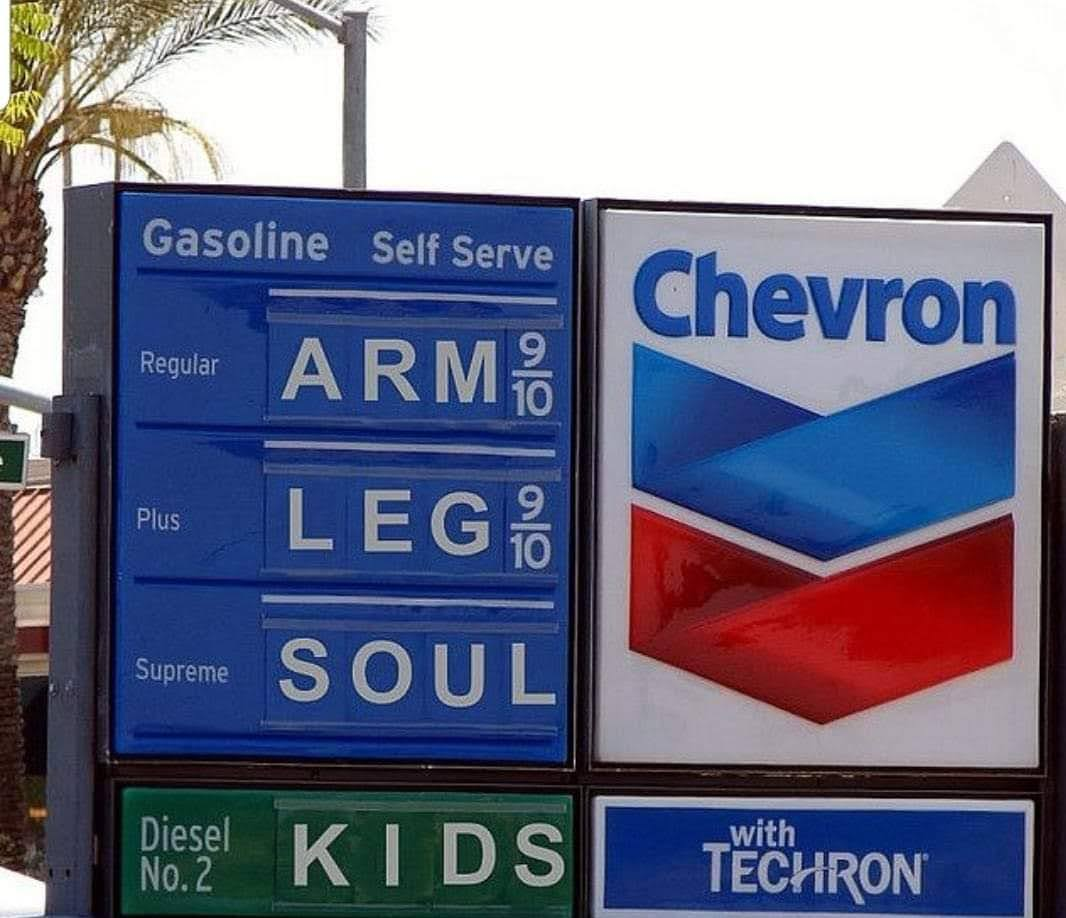 Hilarious Internet Reactions to Current US Gas Shortage